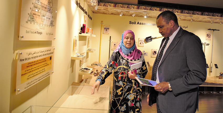Prof. Ibrahim Adam Ahmed El-Dukheri toured ICBA's facilities, including the Emirates Soil Museum.