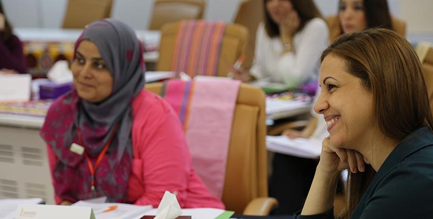 """قيادة الباحثات العربيات الناشئات في منطقة الشرق الأوسط وشمال أفريقيا، """"تمكين"""""""